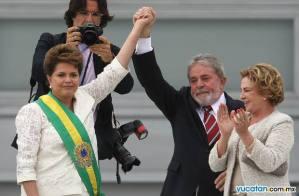 Dilma Rousseff recibe la banda de Presidenta demanos de Lula